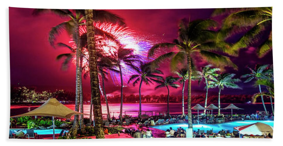 Independence Day Hand Towel featuring the photograph Turtle Bay - Independence Day by Sean Davey