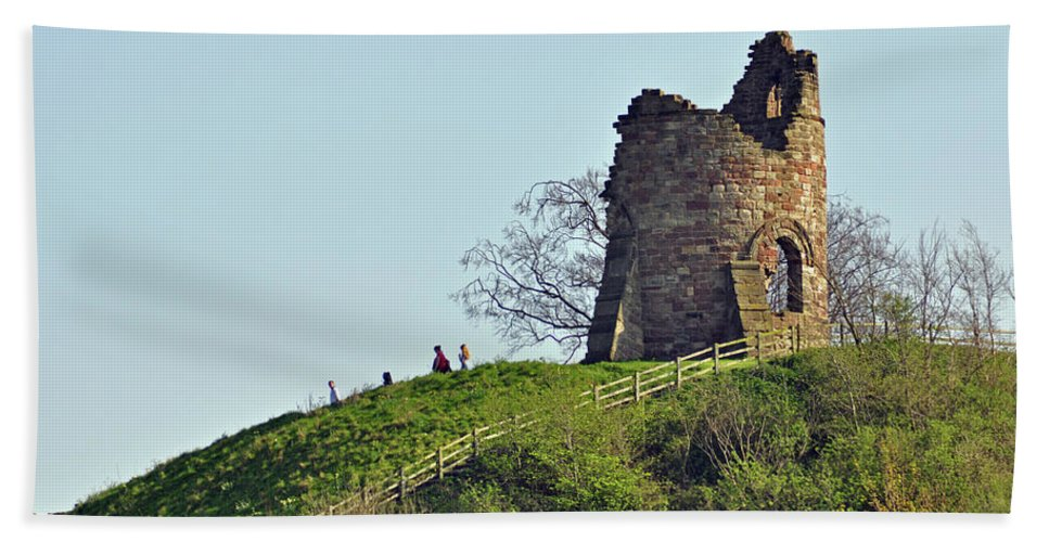 Green Hand Towel featuring the photograph Tutbury Castle Ruins by Rod Johnson