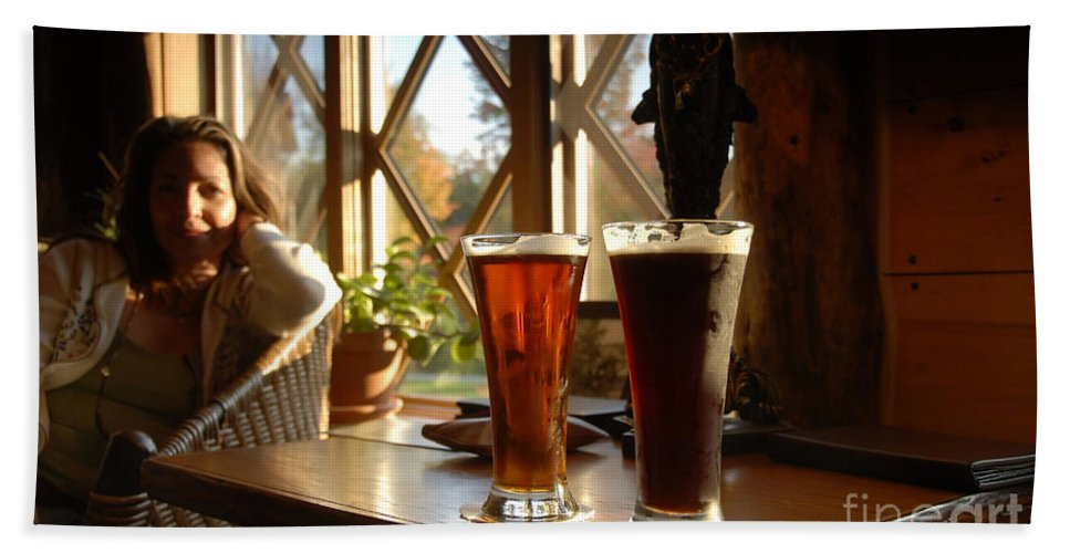 Beer Hand Towel featuring the photograph Two Beers At The Lodge by David Lee Thompson