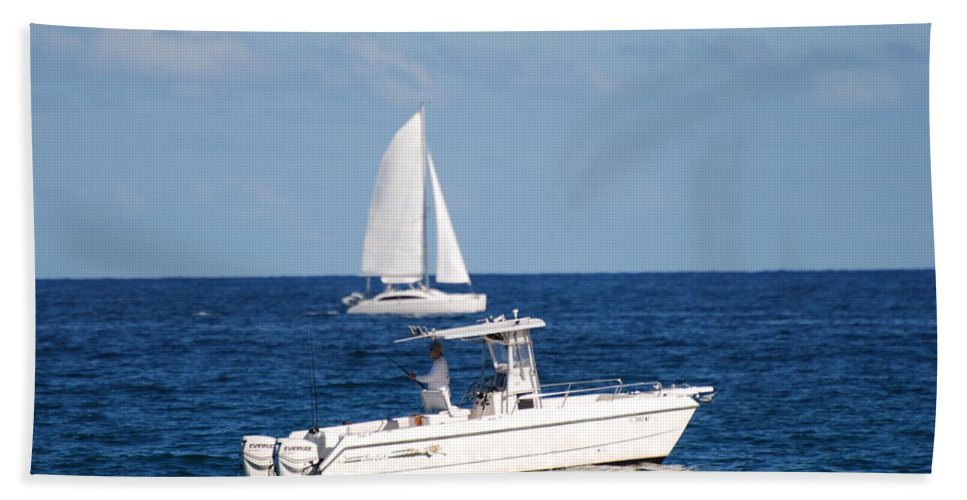 Sea Scape Bath Towel featuring the photograph Two Ships That Pass Thru The Day by Rob Hans