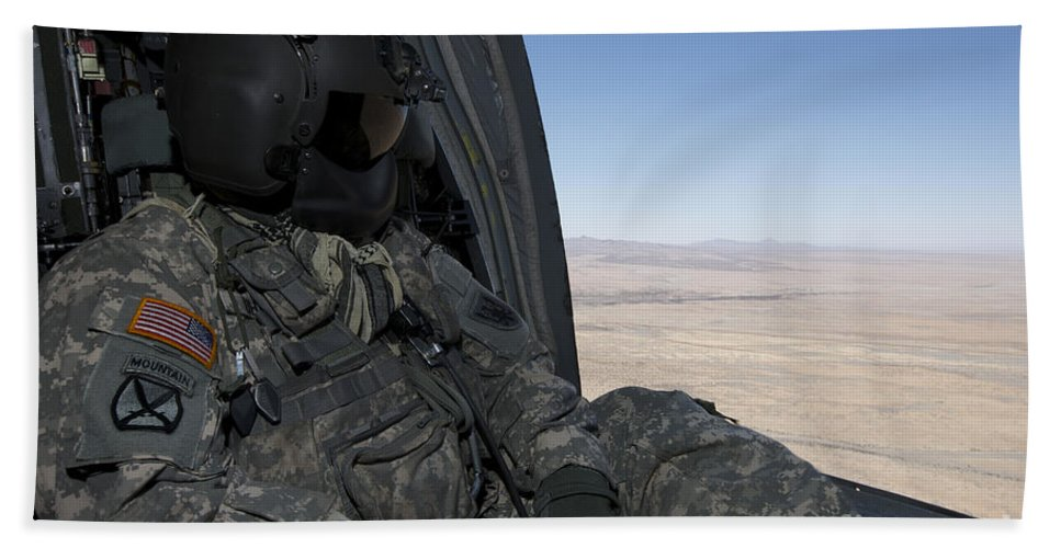 Exercise Angel Thunder Bath Sheet featuring the photograph Uh-60 Black Hawk Crew Chief Takes by Terry Moore