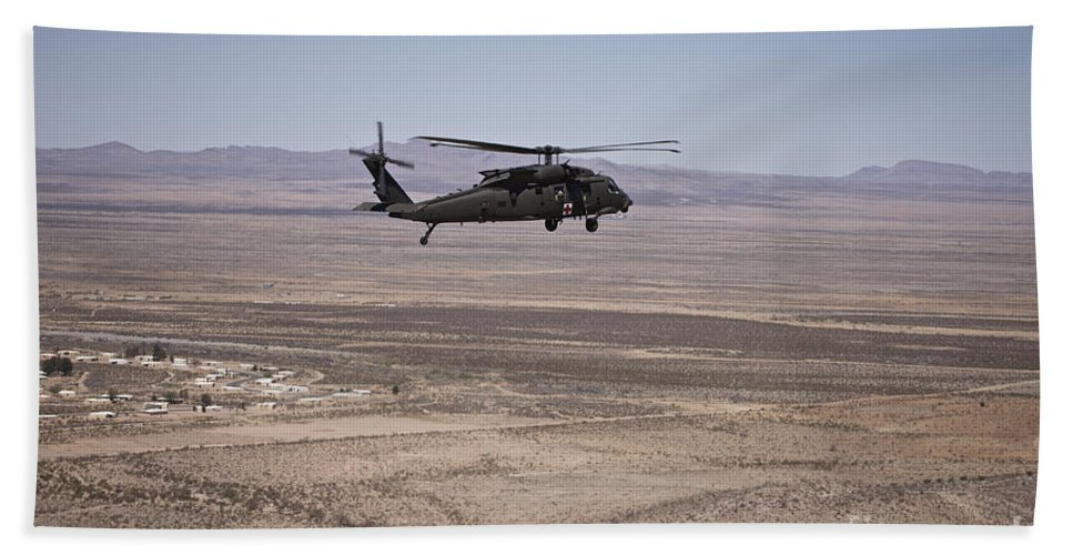 Exercise Angel Thunder Bath Sheet featuring the photograph Uh-60 Black Hawk En Route To New Mexico by Terry Moore