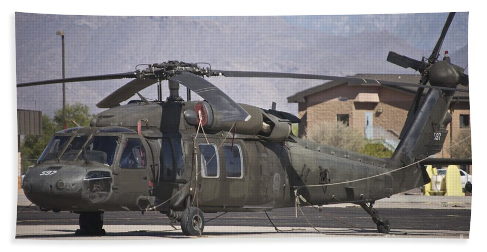 Exercise Angel Thunder Bath Sheet featuring the photograph Uh-60 Black Hawk Helicopter At Pinal by Terry Moore