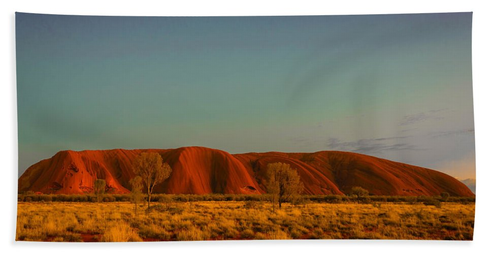 Landscape Hand Towel featuring the photograph Uluru/ayers Rock by Lenore Holt-Darcy