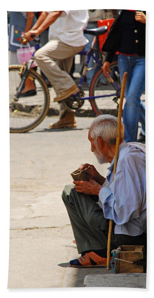 Beggar Bath Sheet featuring the photograph Un Peso Por Favor by Skip Hunt