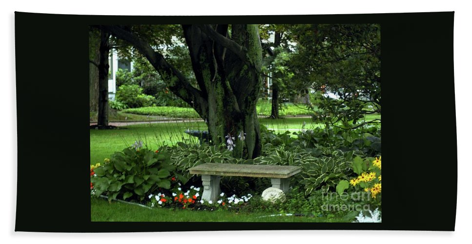 Tree Bath Sheet featuring the photograph Under The Tree by Kathleen Struckle