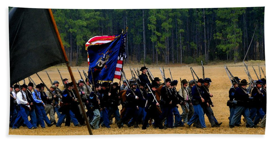 Civil War Bath Sheet featuring the painting Union On The Move by David Lee Thompson