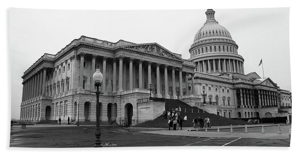 America Bath Sheet featuring the photograph United States Capitol Building 2 Bw by Frank Romeo