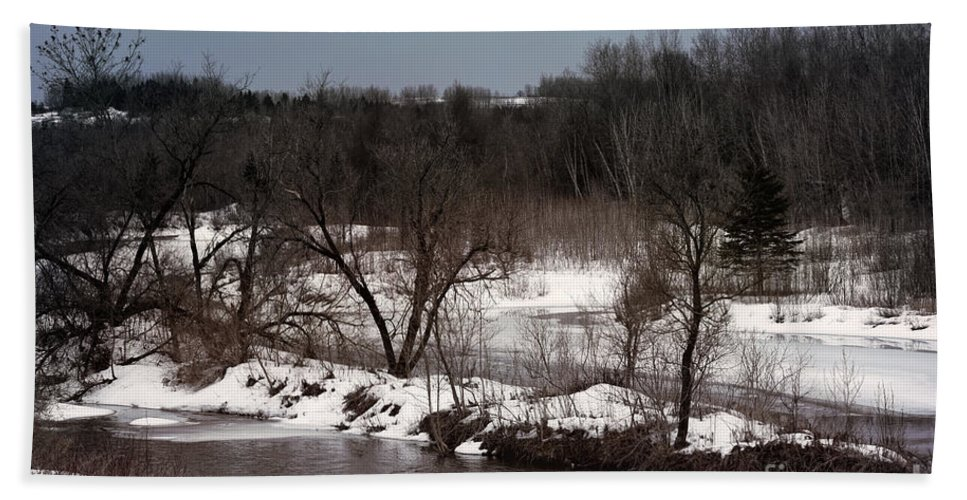 Caribou Stream Hand Towel featuring the photograph Upstream by William Tasker