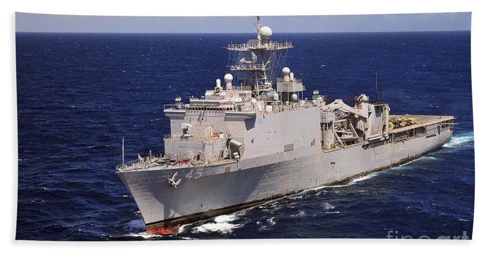 Naval Warfare Hand Towel featuring the photograph Uss Comstock Transits The Indian Ocean by Stocktrek Images