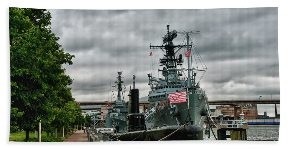 Buffalo Bath Sheet featuring the photograph Uss Little Rock by Guy Whiteley
