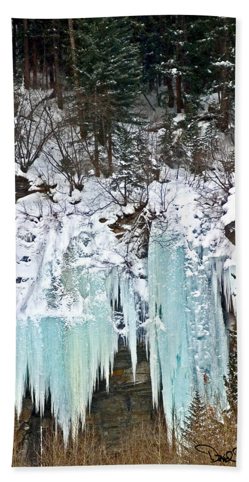 Colordao Landscape Bath Sheet featuring the photograph Vail Ice Falls by David Salter