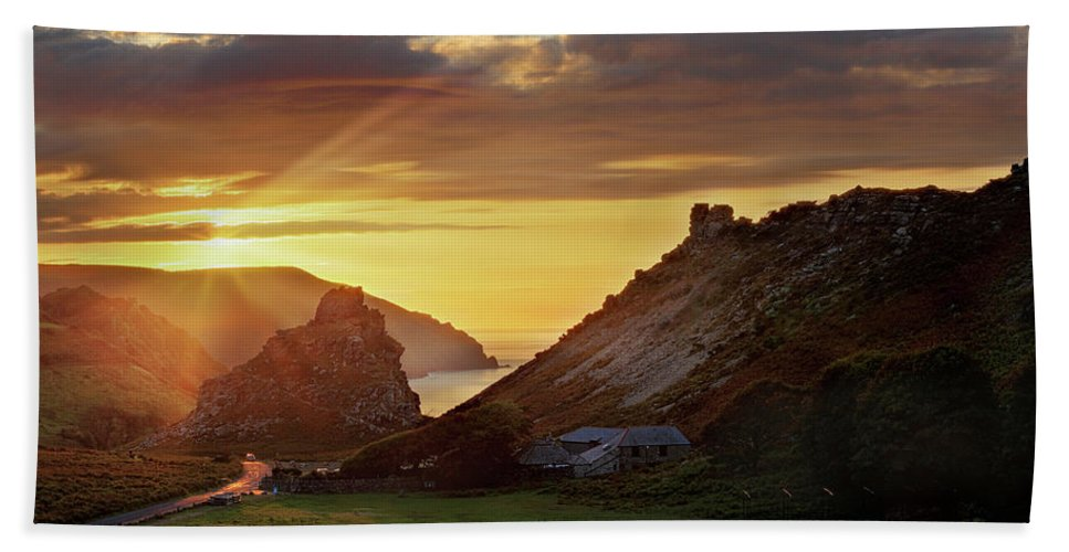 Valley Of The Rocks Bath Sheet featuring the photograph Valley Of The Rocks by Ceri Jones
