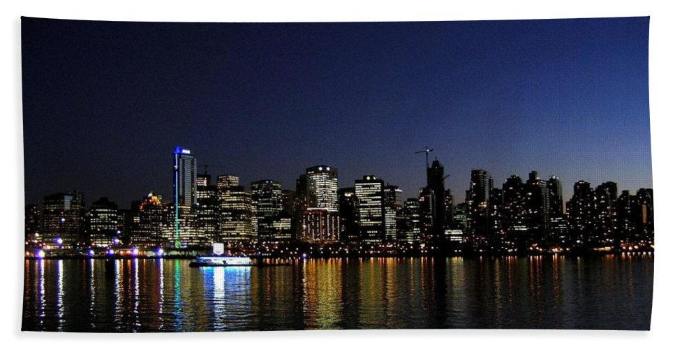 Night Scape Bath Towel featuring the photograph Vancouver Night Lights by Will Borden