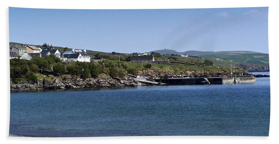 Irish Bath Towel featuring the photograph Ventry Beach And Harbor Ireland by Teresa Mucha
