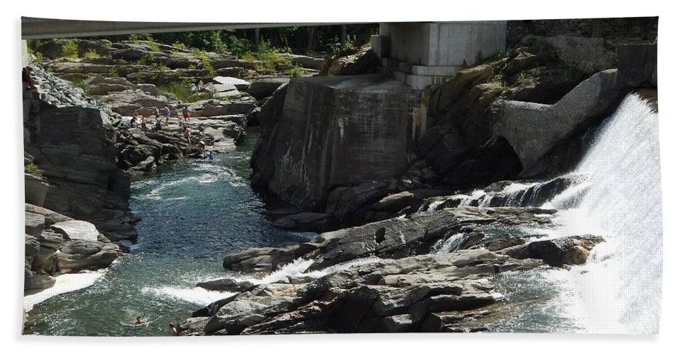Covered Bridge Hand Towel featuring the photograph Vermont Covered Bridge by Lisa Cassinari