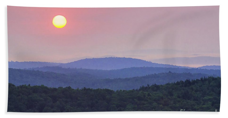 Art Hand Towel featuring the photograph Vermont Sunrise by Joe Geraci