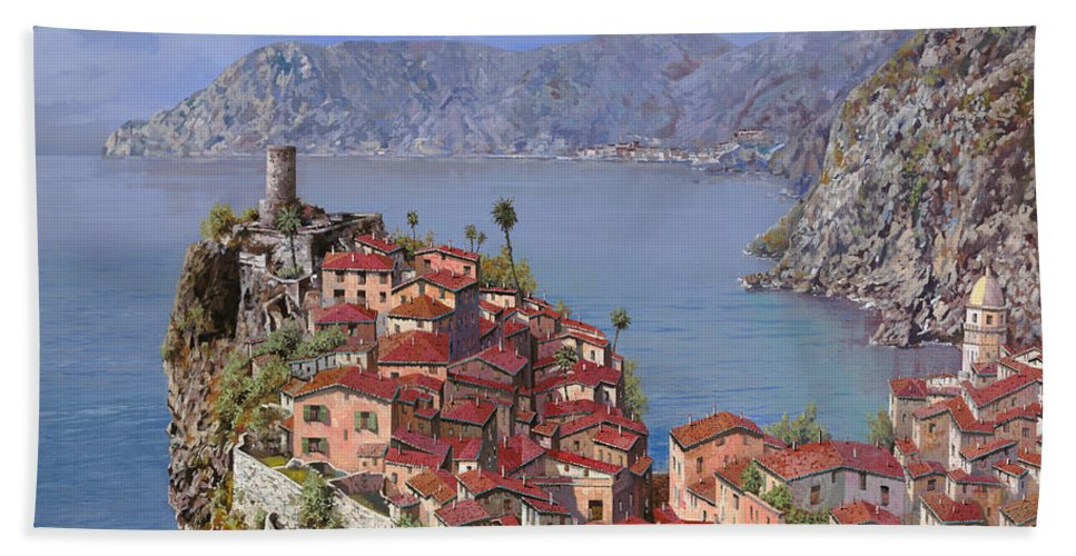 Seascapes Bath Towel featuring the painting Vernazza-cinque Terre by Guido Borelli