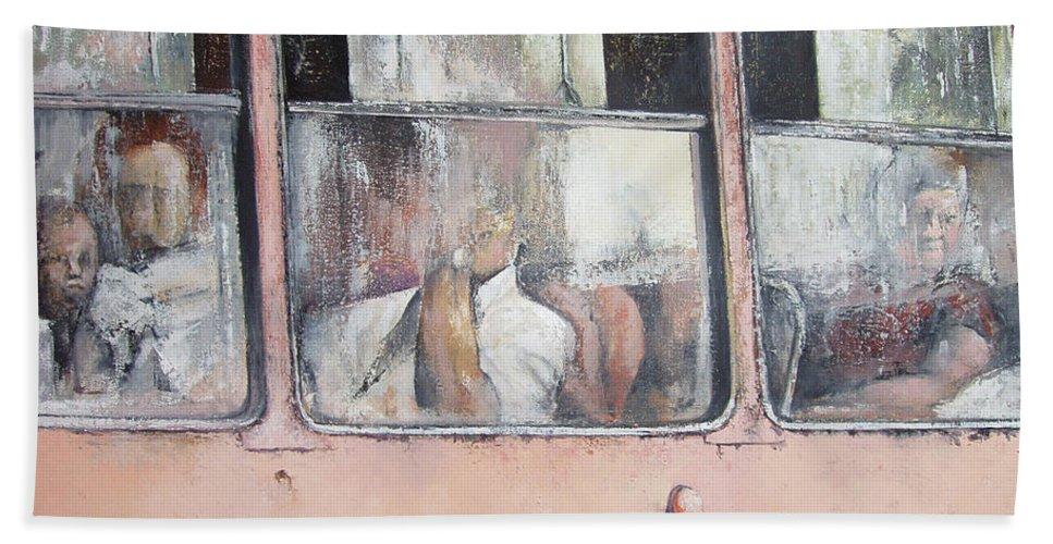 Camello Bath Towel featuring the painting Viajando en Camello-La Habana by Tomas Castano