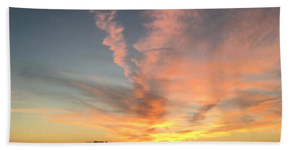 Sunset Hand Towel featuring the photograph Vibrant Sunset by Amy Lionheart