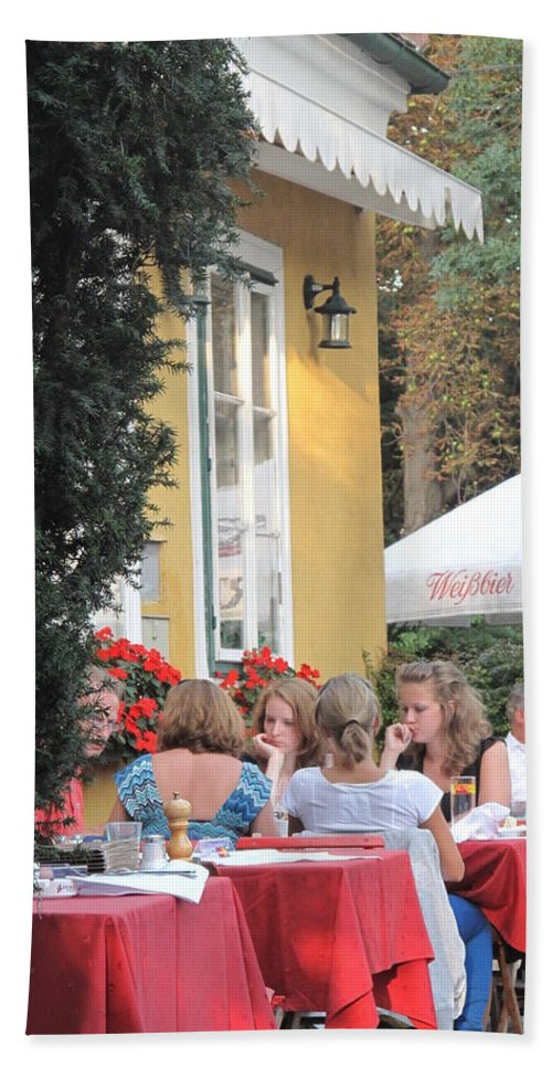 Vienna Hand Towel featuring the photograph Vienna Restaurant In The Park by Ian MacDonald