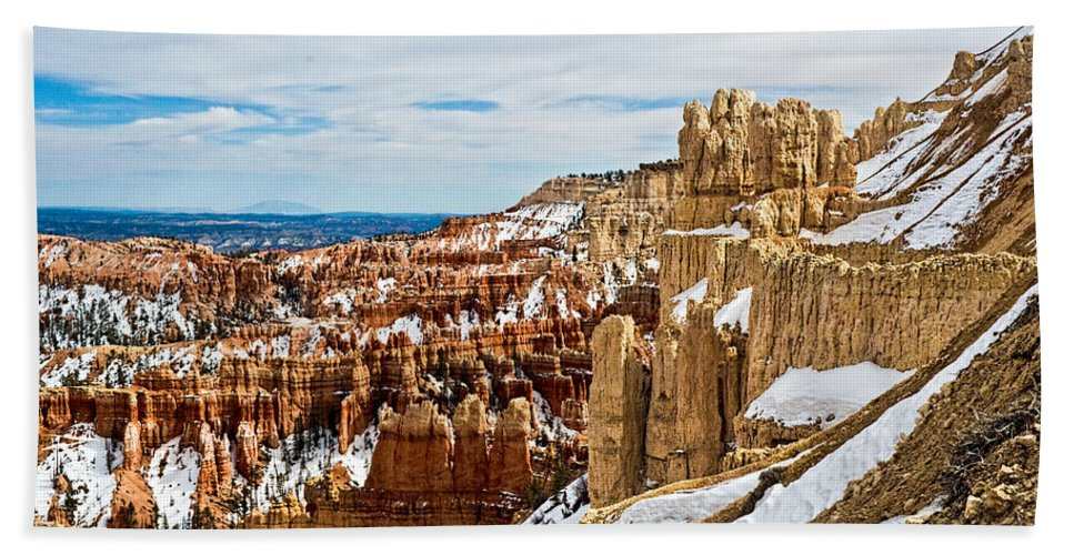 Canyon Hand Towel featuring the photograph View Along The Ridge by Christopher Holmes