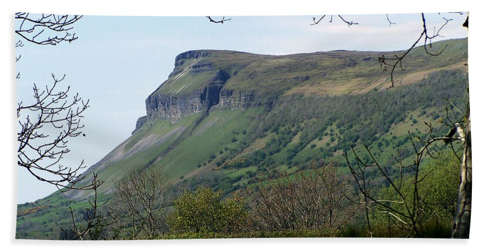 Irish Bath Towel featuring the photograph View Of Benbulben From Glencar Lake Ireland by Teresa Mucha