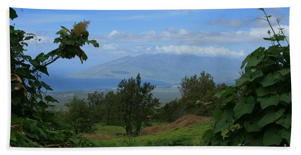 Keokea Hand Towel featuring the photograph View Of Mauna Kahalewai West Maui From Keokea On The Western Slopes Of Haleakala Maui Hawaii by Sharon Mau