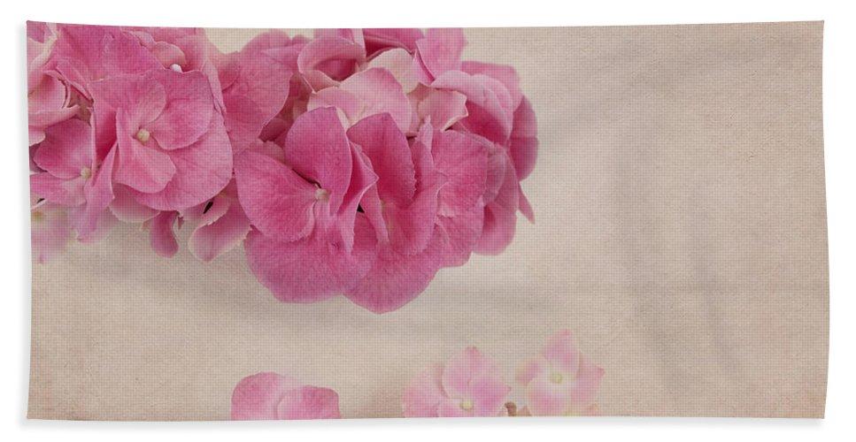 Hydrangea Hand Towel featuring the photograph Vintage Pink Hydrangea by Kim Hojnacki