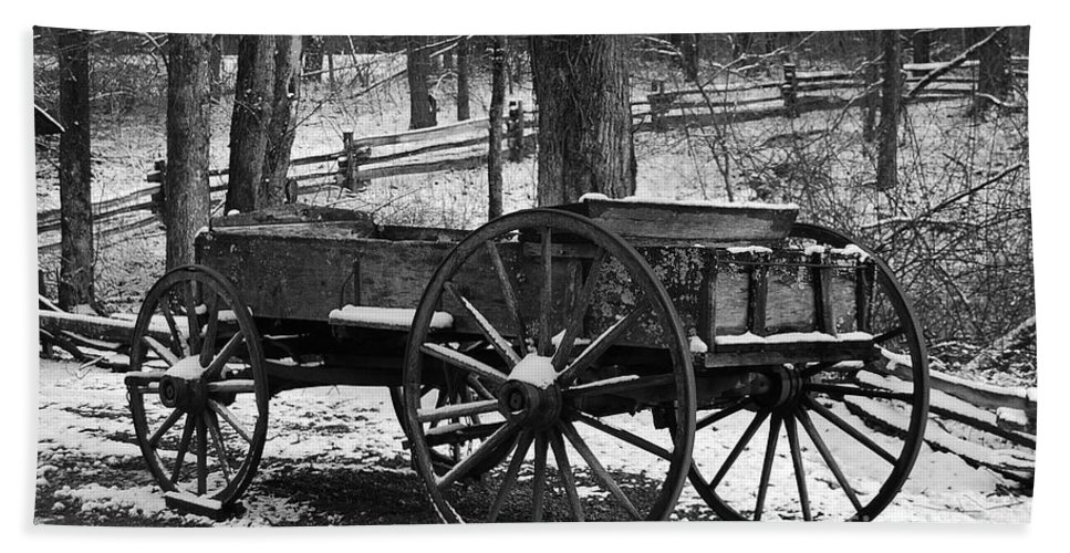 Black & White Hand Towel featuring the photograph Wagon by Eric Liller