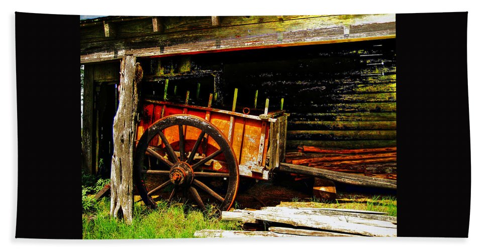 Wagon Hand Towel featuring the photograph Wagon by Savannah Gibbs
