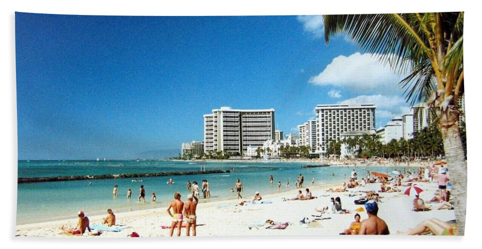1986 Hand Towel featuring the photograph Waikiki Beach by Will Borden
