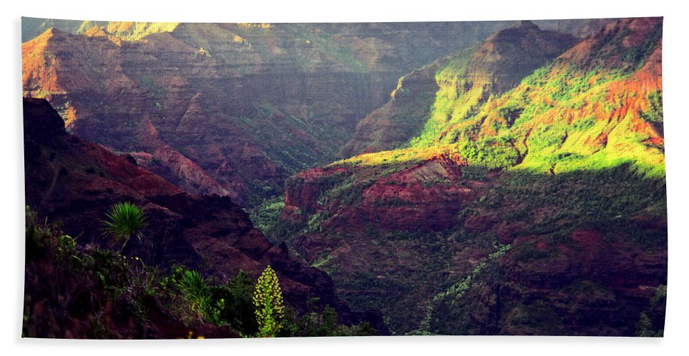 Waimea Canyon Hand Towel featuring the photograph Waimea Canyon by Kevin Smith