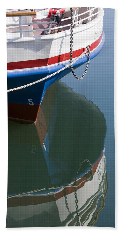 Chicago Windy City Boat Ride Lake Michigan Water Reflection Tourist Tourism Bath Towel featuring the photograph Waiting For Passangers by Andrei Shliakhau