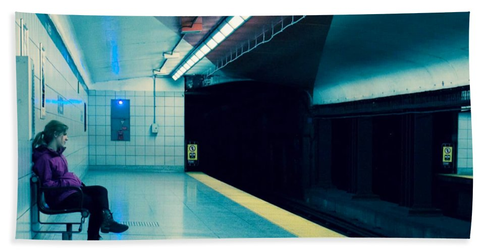 Subway Bath Sheet featuring the photograph Waiting For The Train by Eli Guzman