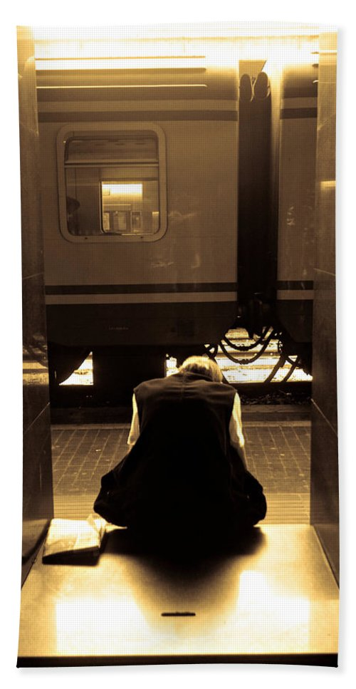 Train Bath Sheet featuring the photograph Waiting For The Train by Scott Sawyer