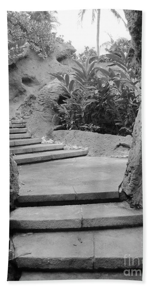 Stone Hand Towel featuring the photograph Walk Way by Michelle Powell