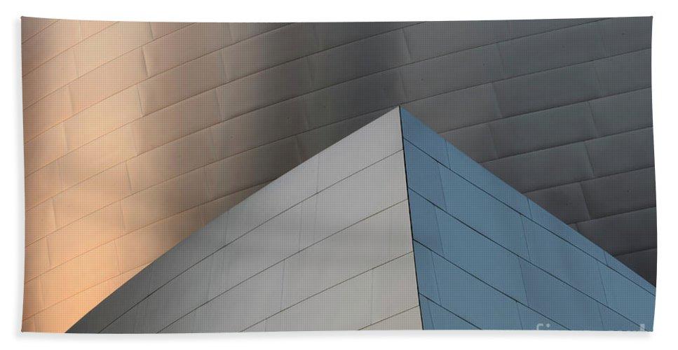 Disney Hand Towel featuring the photograph Walt Disney Concert Hall 16 by Bob Christopher