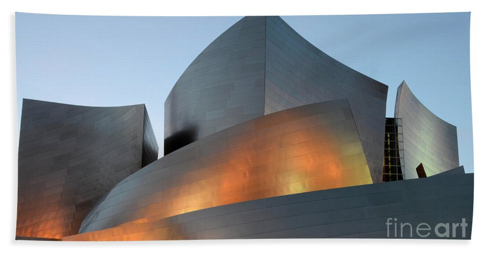 Disney Hand Towel featuring the photograph Walt Disney Concert Hall 19 by Bob Christopher