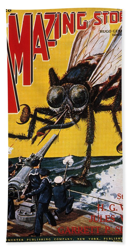 1927 Hand Towel featuring the photograph War Of The Worlds, 1927 by Granger