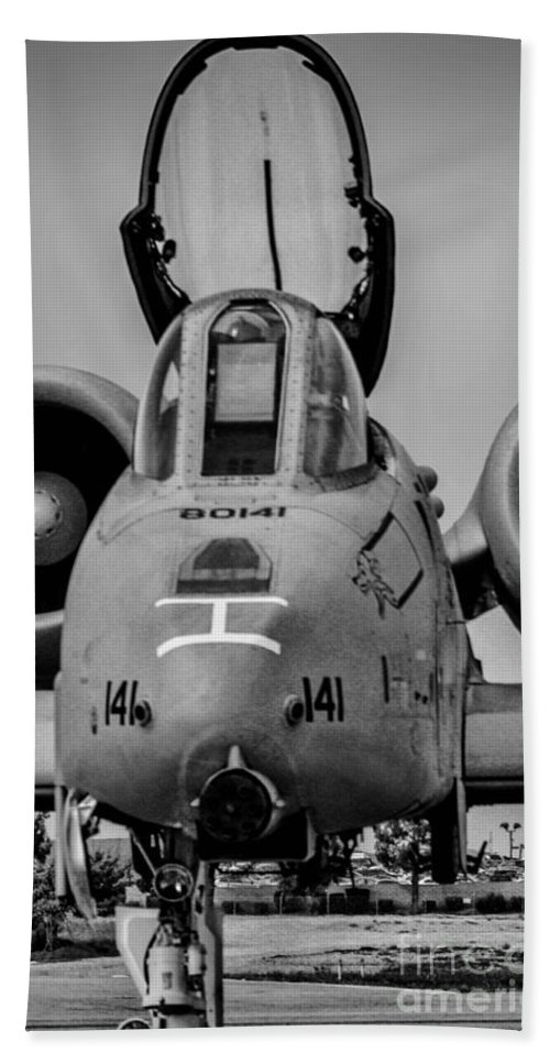Republic A-10 Thunderbolt Ii Hand Towel featuring the photograph Warthog by Tommy Anderson