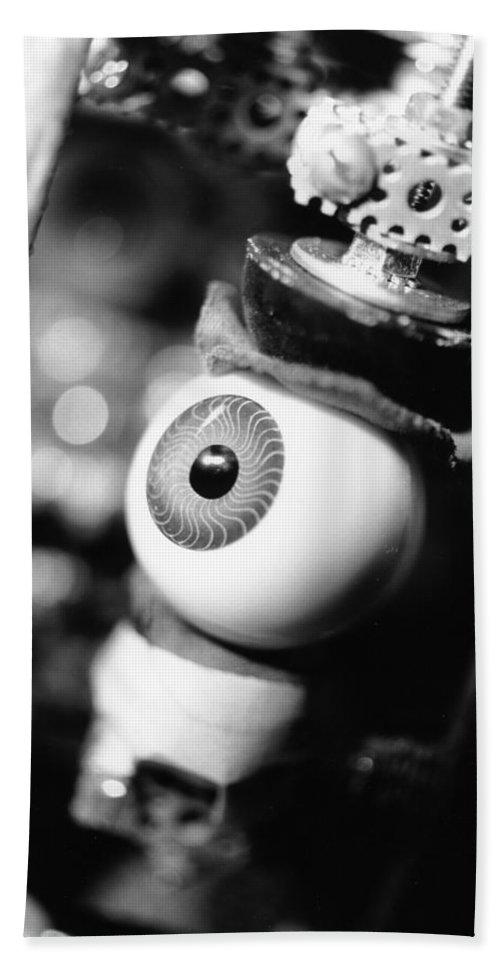 Eye Bath Towel featuring the photograph Watching You by Jeffery Ball