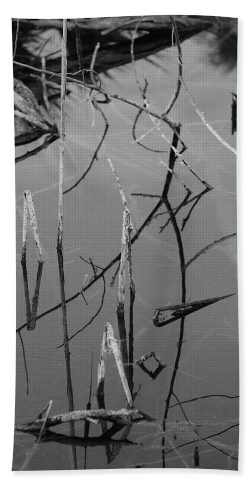 Black And White Hand Towel featuring the photograph Water Sticks by Rob Hans