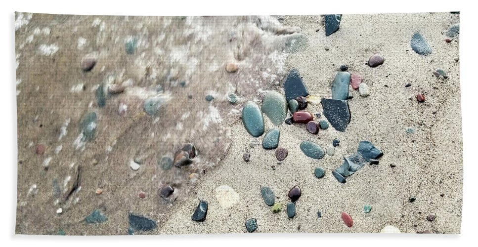 Hand Towel featuring the photograph Water Stones by Brian Wimmer