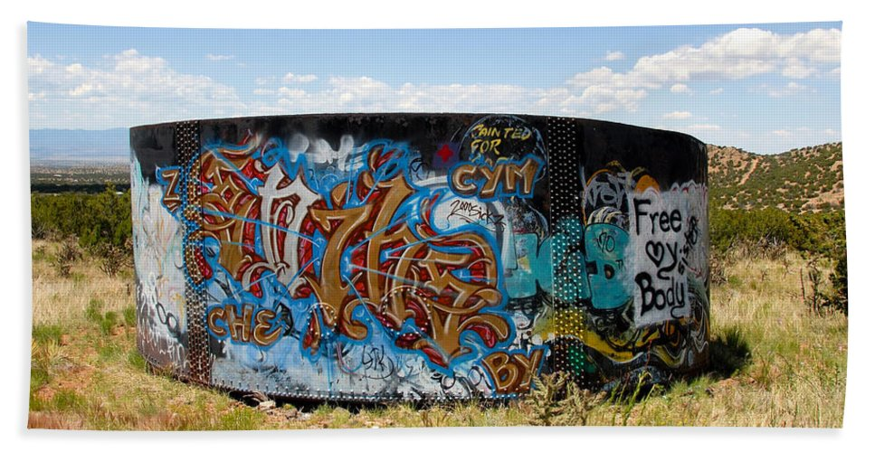 Graffiti Bath Sheet featuring the photograph Water Tank Graffiti by David Lee Thompson