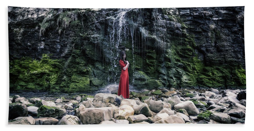Hand Towel featuring the photograph Waterfall by Joana Kruse