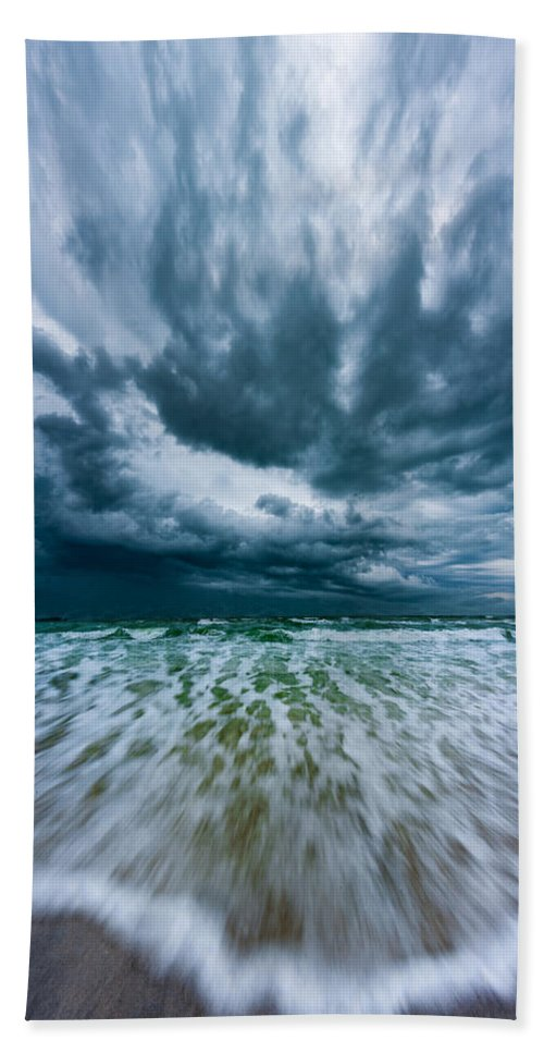 Florida Hand Towel featuring the photograph Wave by David Downs