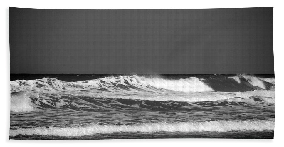 Waves Hand Towel featuring the photograph Waves 2 In Bw by Susanne Van Hulst