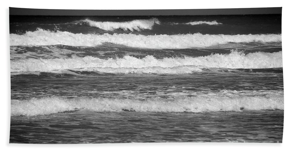 Waves Hand Towel featuring the photograph Waves 3 In Bw by Susanne Van Hulst