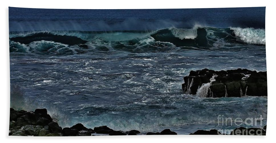 Waves Bath Sheet featuring the photograph Waves And Wind by Craig Wood